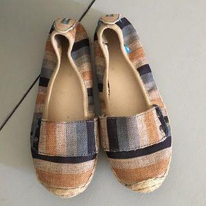 Shoes - Canvas flats size 5